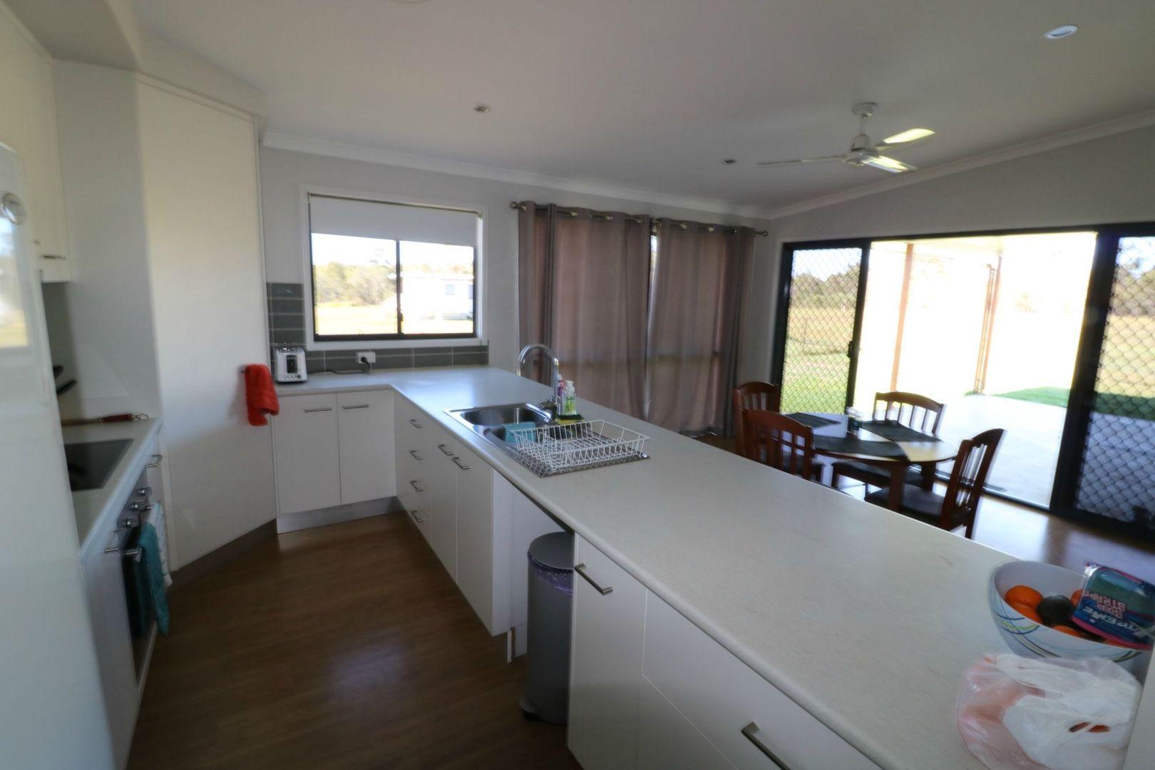 24 Flynn Drive, Redridge QLD 4660, Image 2