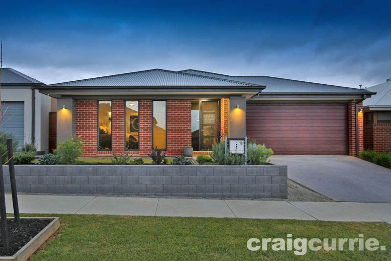 18  Bickleighvale Drive, Officer VIC 3809, Image 0