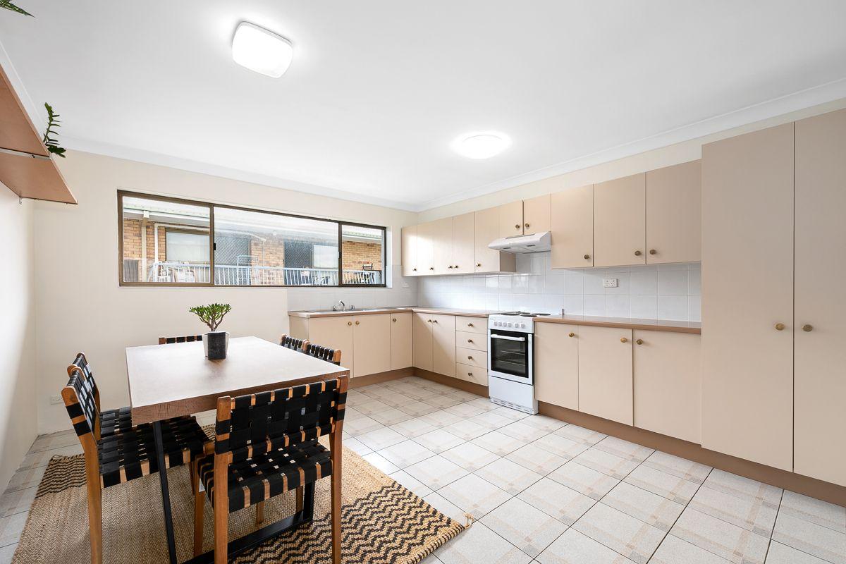 5/43 Swain Street, Holland Park West QLD 4121, Image 2