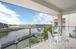 2243 Glengallon Way, Hope Island QLD 4212