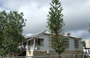 Picture of 2 Queen, Abercorn QLD 4627