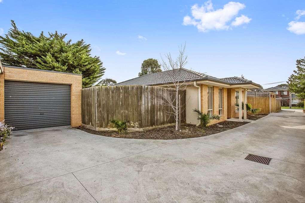 2/11 Bernhardt Ave, Hoppers Crossing VIC 3029, Image 2