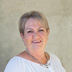 Lyn Armit, Sales Consultant
