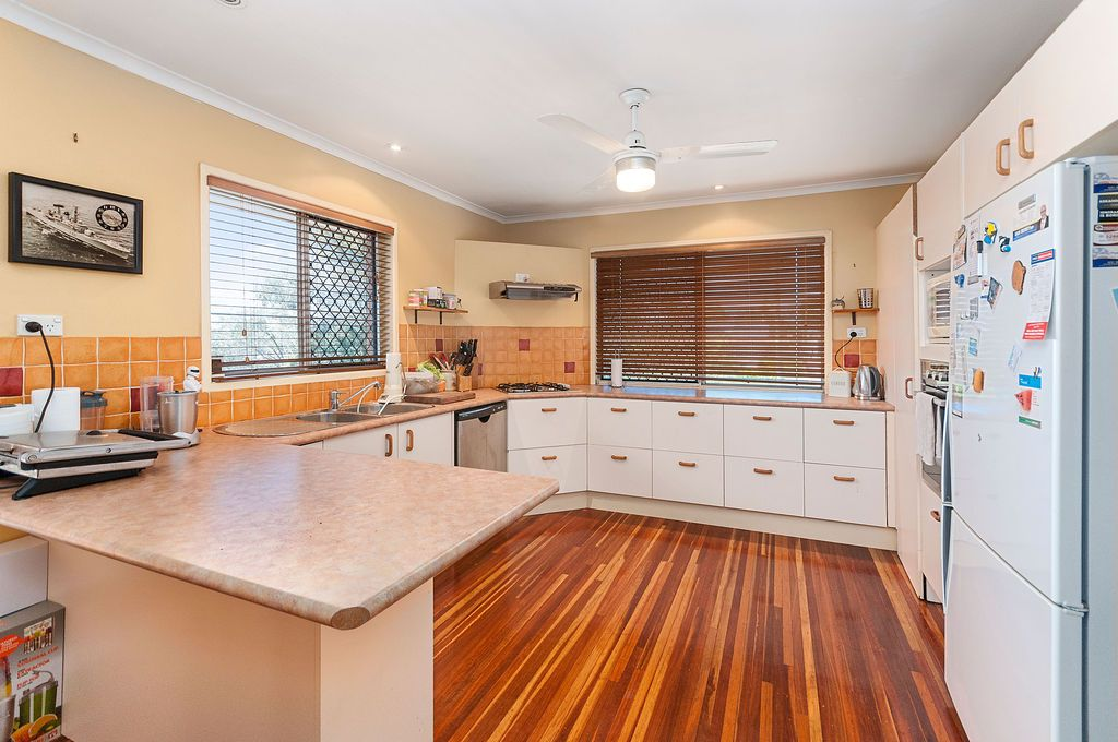 12 Balaclava Street, Churchill QLD 4305, Image 2
