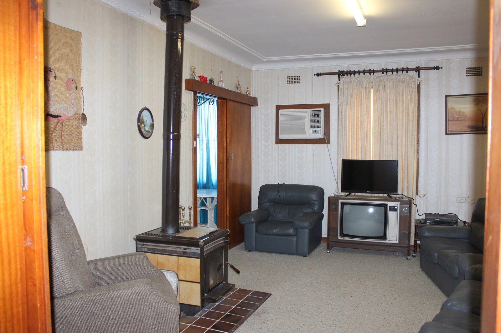 72 Aberdeen St, Scone NSW 2337, Image 2