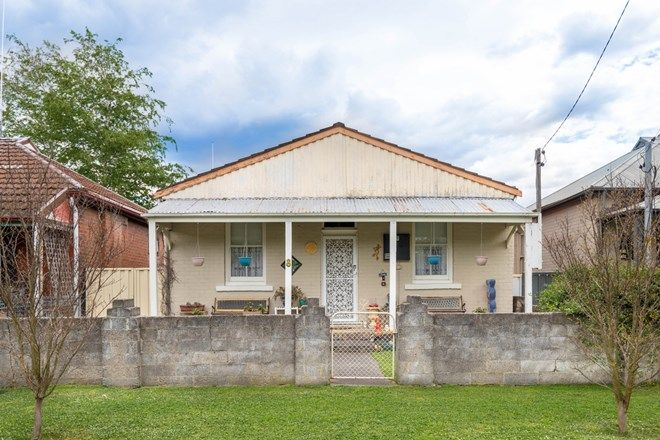 Picture of 8 Durie Street, LITHGOW NSW 2790