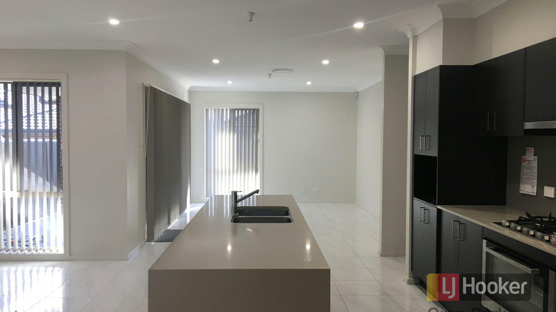 9 Gale Street, Oran Park NSW 2570, Image 2