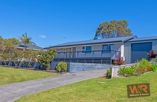 Picture of 20 Manley Crescent, Collingwood Heights WA 6330
