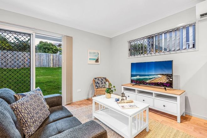 Picture of 5/16 Buderim Street, MANLY QLD 4179