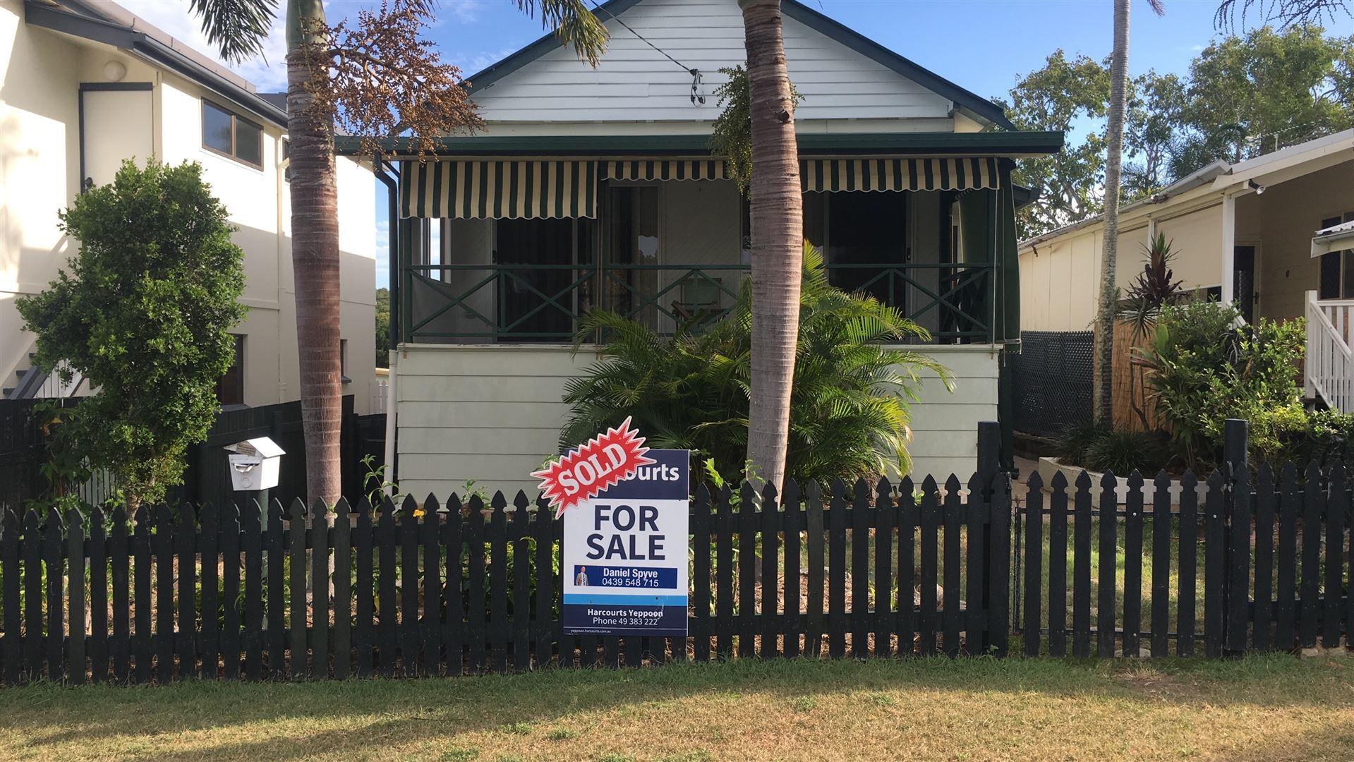 8 Poplar Street, Cooee Bay QLD 4703, Image 0