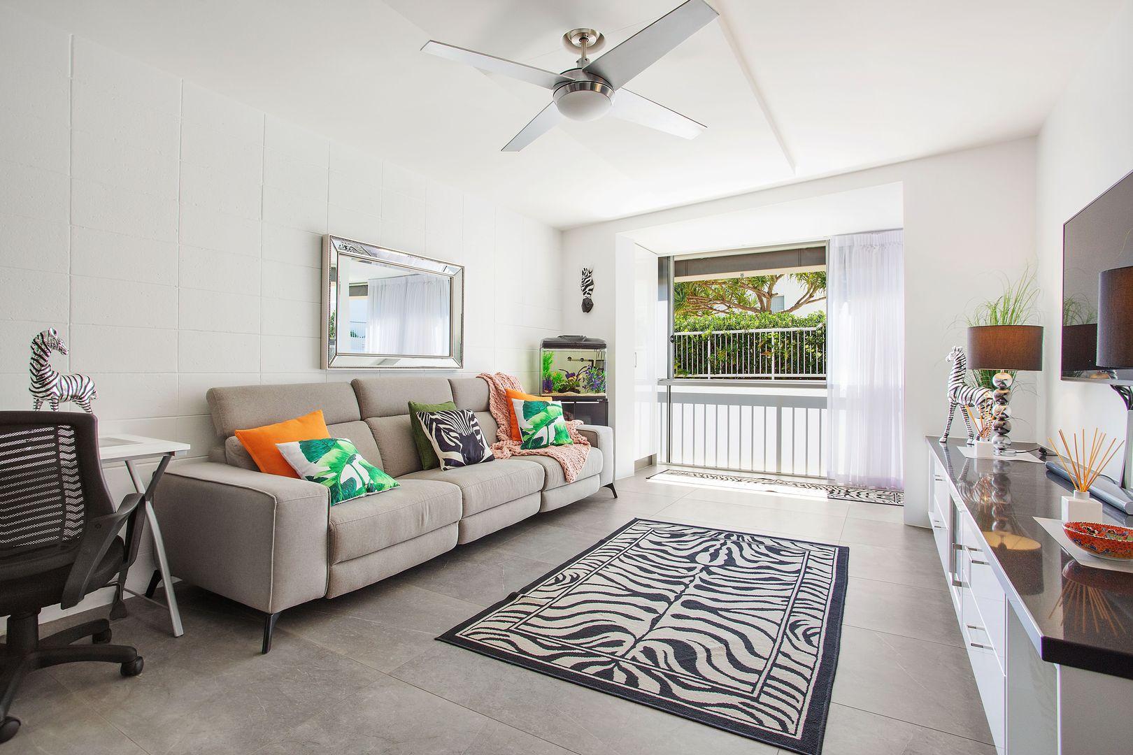 4/286 The Esplanade, Miami QLD 4220, Image 2