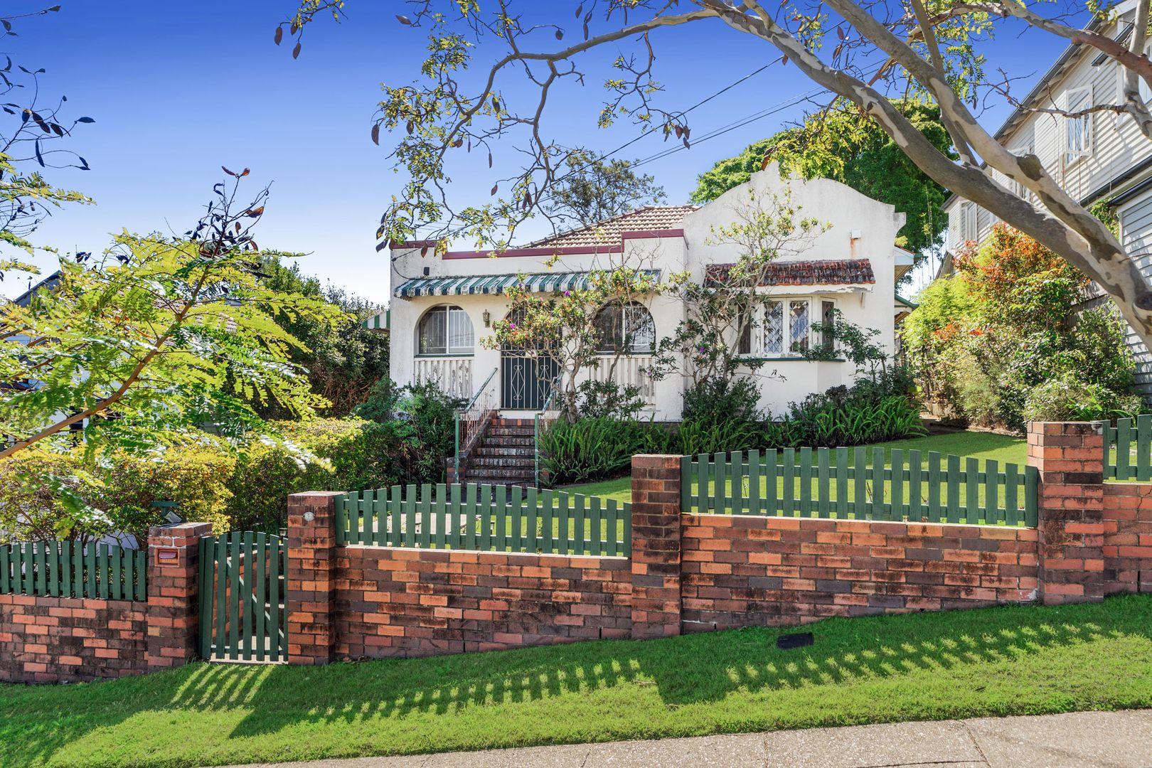 62 Hipwood Avenue, Coorparoo QLD 4151, Image 2