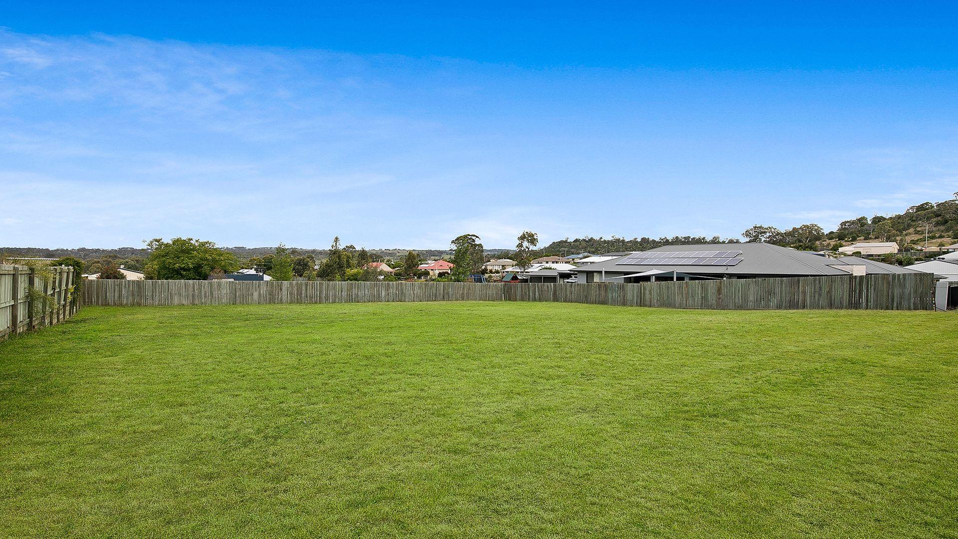 15 Curlew Street, Meringandan West QLD 4352, Image 2