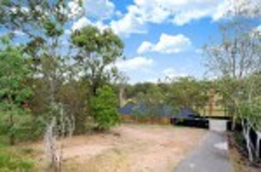 36 Lagoon Crescent, Bellbowrie QLD 4070, Image 2
