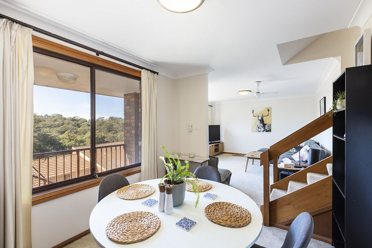 8/2 Valley Road, Springwood NSW 2777, Image 2