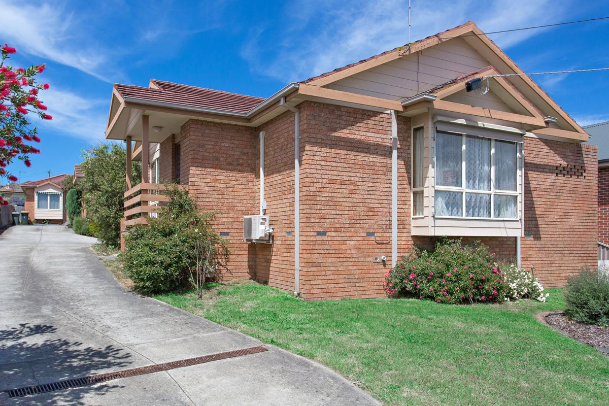 1/111 Howitt Street, Soldiers Hill VIC 3350, Image 0