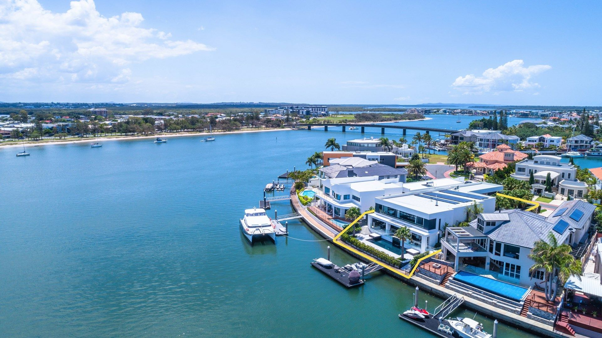 38 Brittanic Crescent, Sovereign Islands QLD 4216, Image 2
