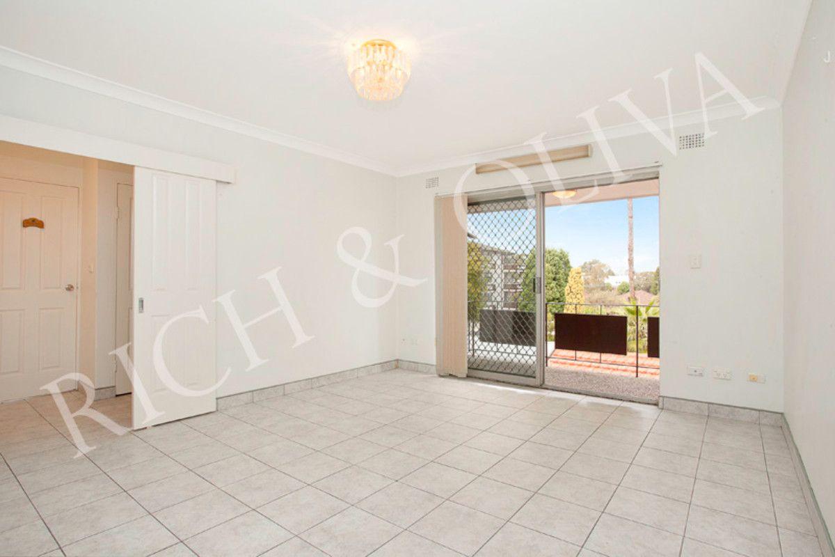 6/22 Hampton Street, Croydon Park NSW 2133, Image 2