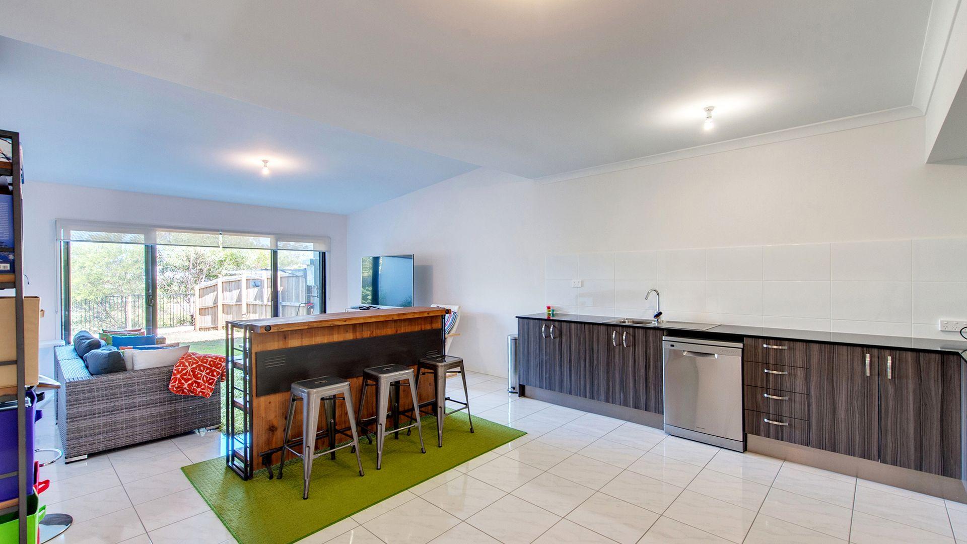 37 Acacia Lane, Ripley QLD 4306, Image 2