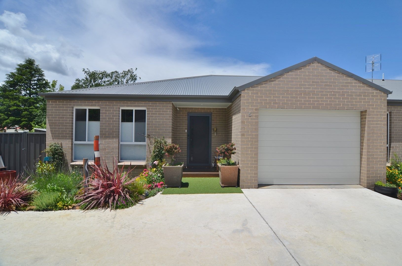 Unit 5/9 Hoskins Avenue, Lithgow NSW 2790, Image 0