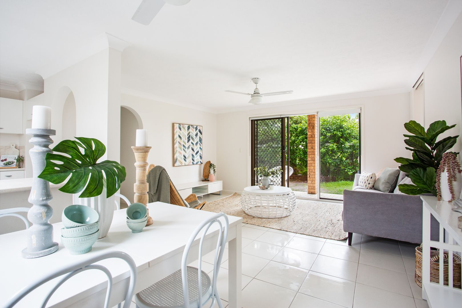 1/20A 'Penthouse Manor' Old Burleigh Road, Surfers Paradise QLD 4217, Image 0