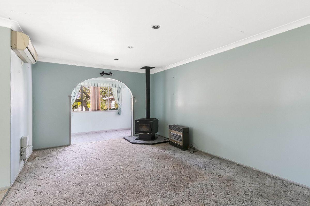 14 Patricia Street, Mount Lofty QLD 4350, Image 2