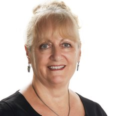 Jennifer Harvey, Property Manager
