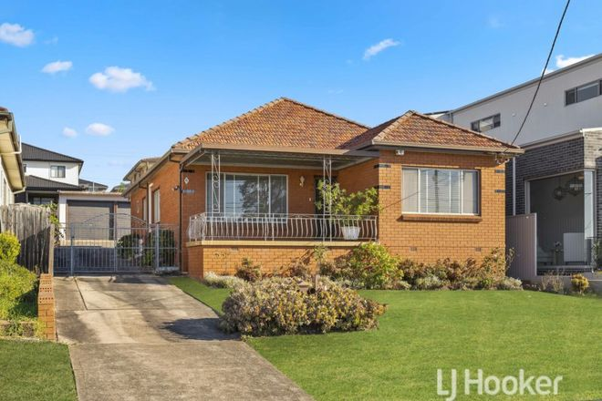 Picture of 4 Gloucester Avenue, MERRYLANDS NSW 2160