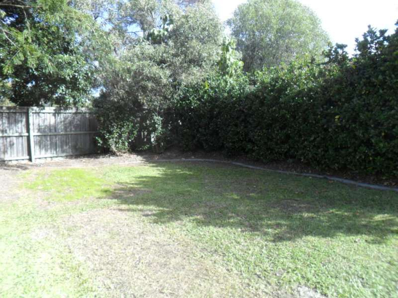 6 Muirefield Place, Arundel QLD 4214, Image 10