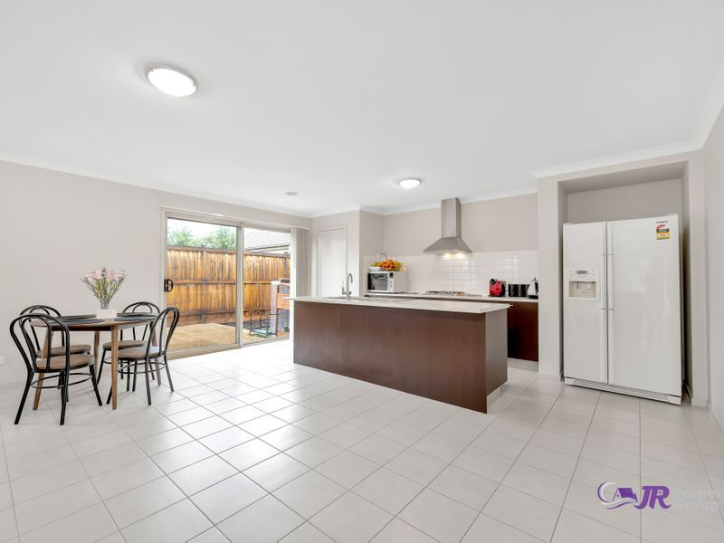 79 Grassbird Drive, Point Cook VIC 3030, Image 2