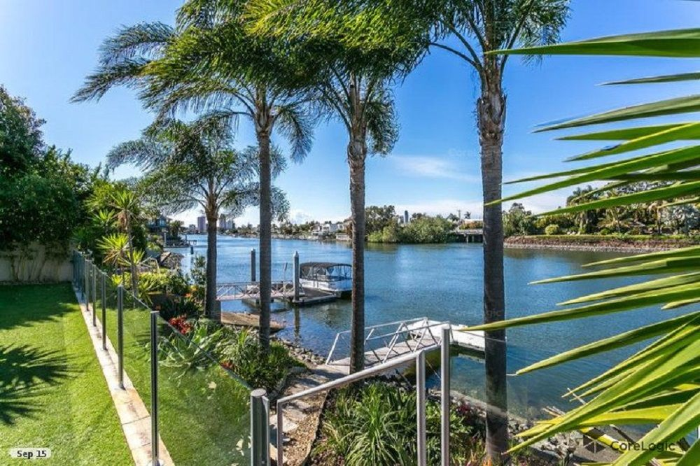 11 La Spezia Court, Isle Of Capri QLD 4217, Image 0