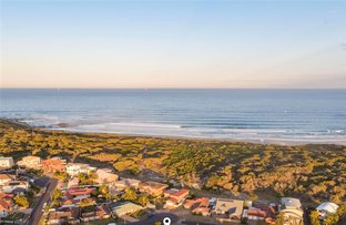 Picture of 16 Ebbtide Avenue, Caves Beach NSW 2281
