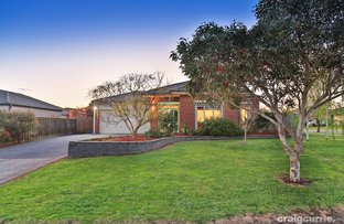 Picture of 2 Lyrebird Avenue, Pakenham VIC 3810