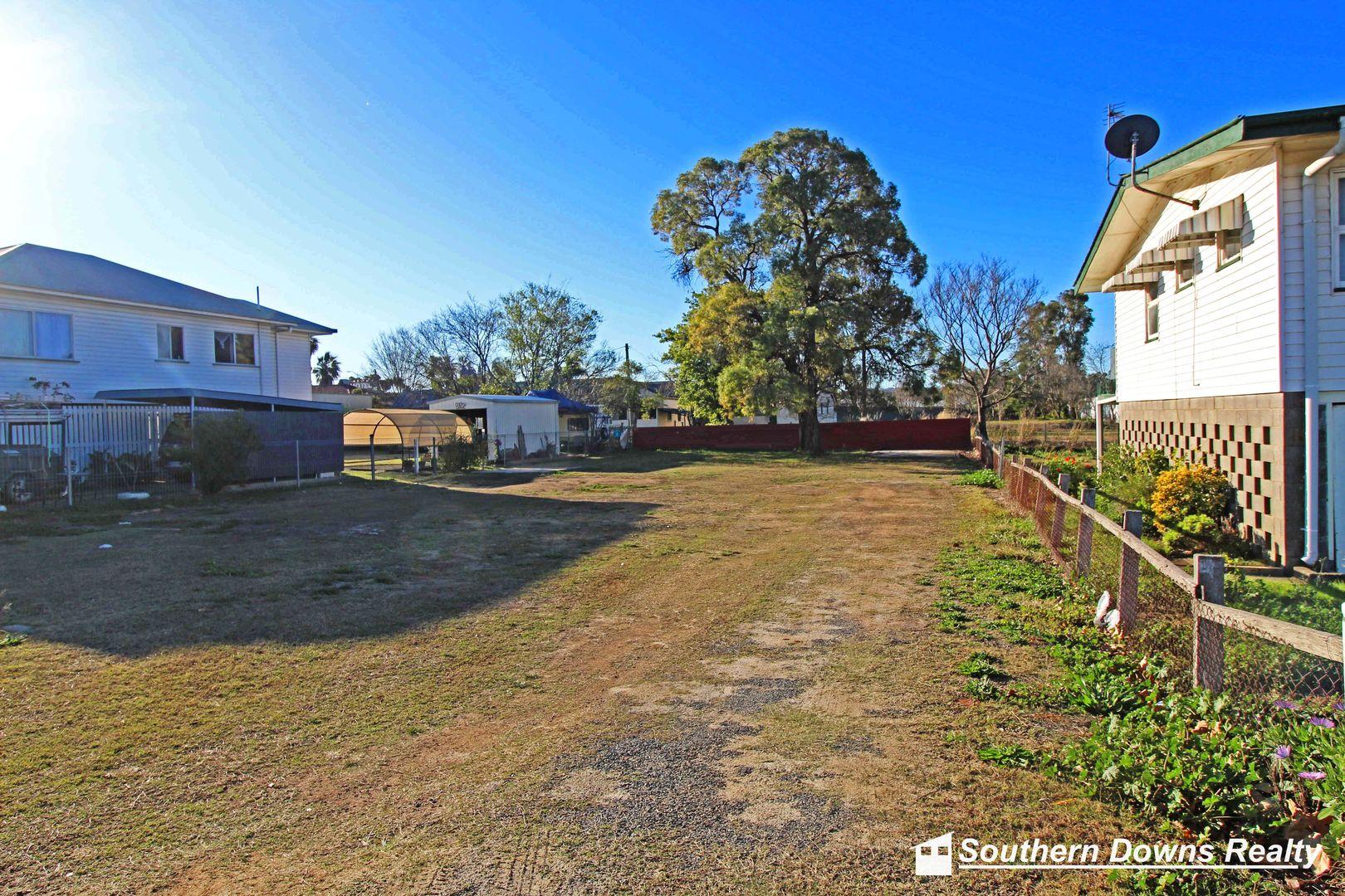 61 Fitzroy St, Warwick QLD 4370, Image 2