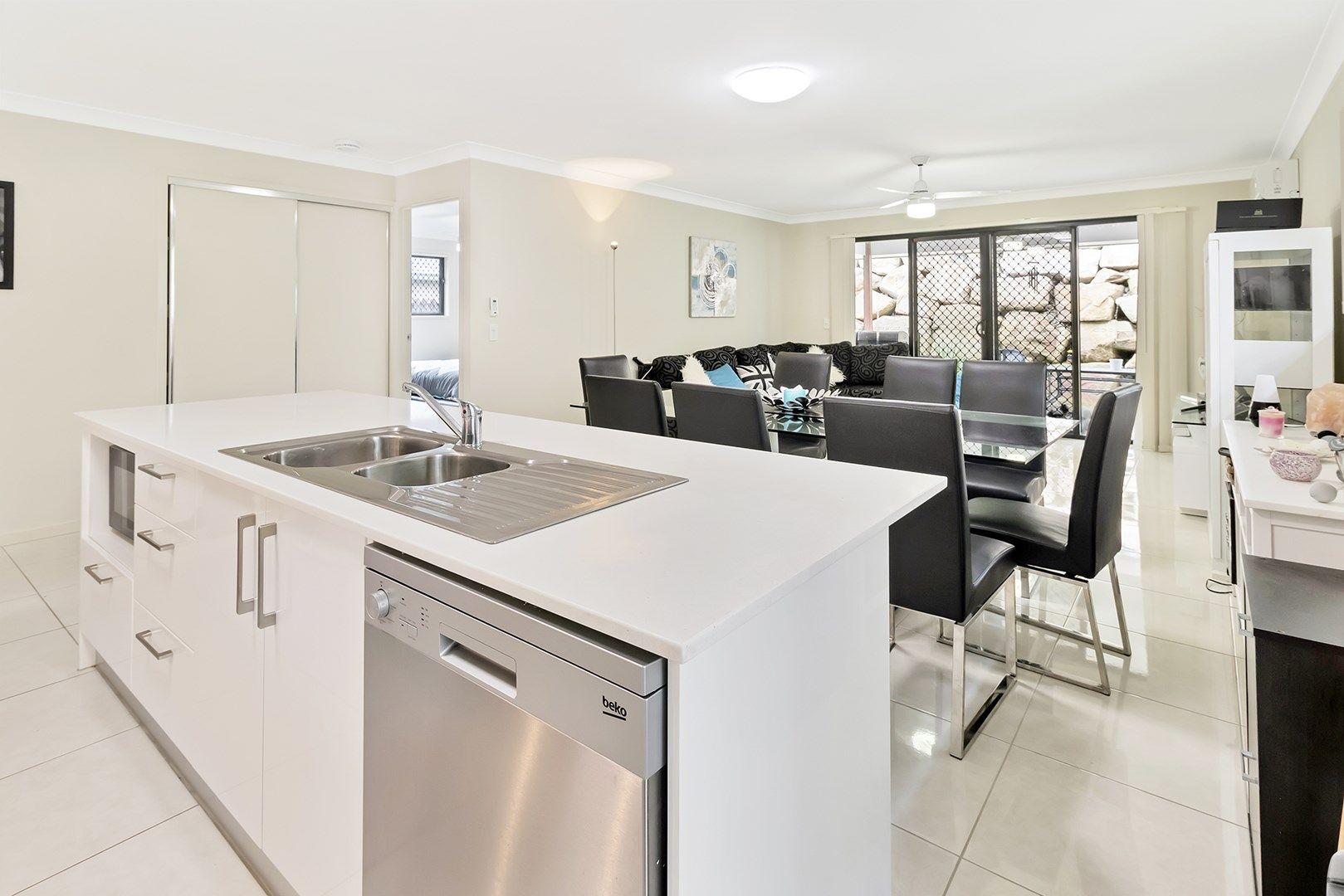 40 Avondale Drive, Pimpama QLD 4209, Image 2