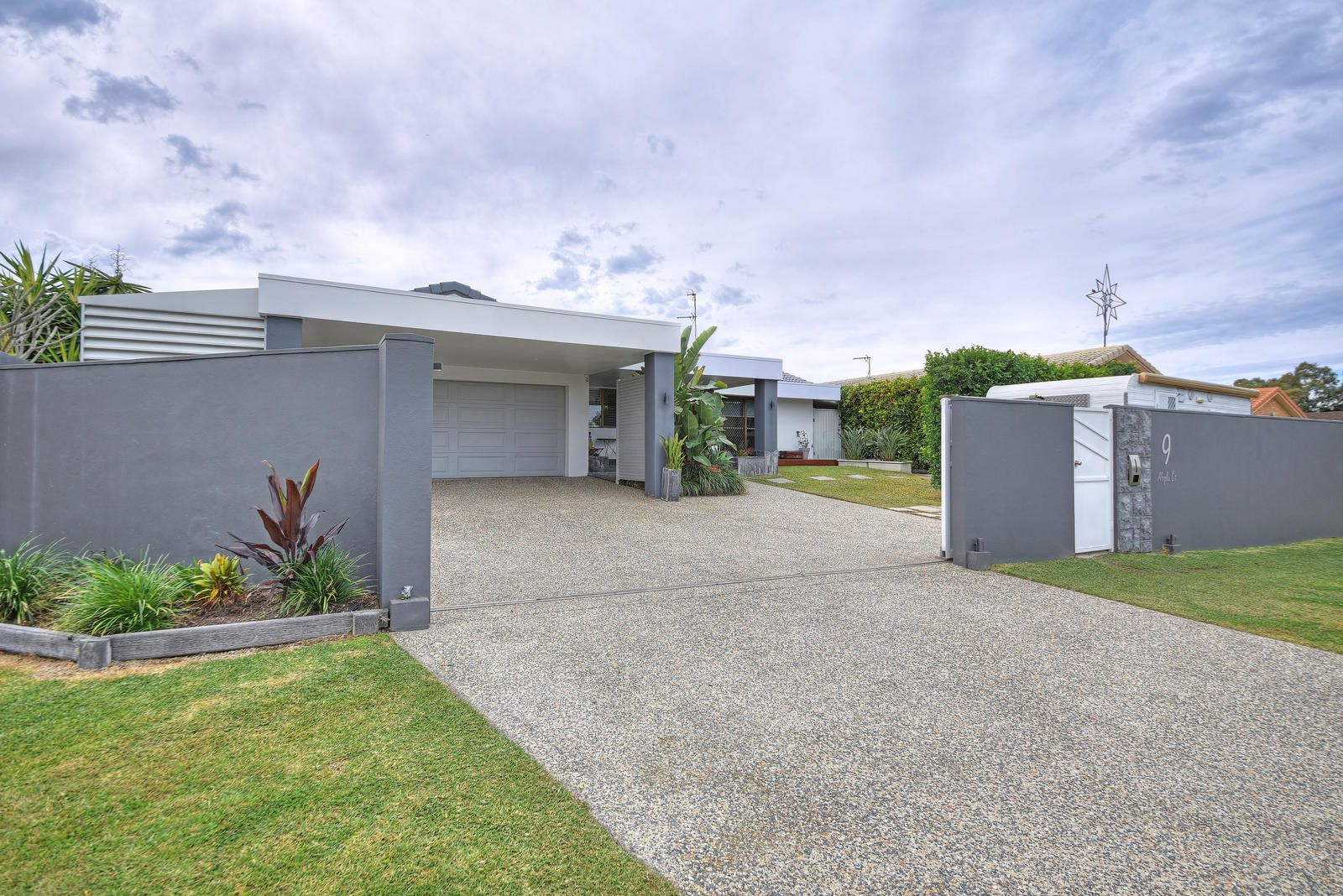 9 Maple Court, Burleigh Waters QLD 4220, Image 0
