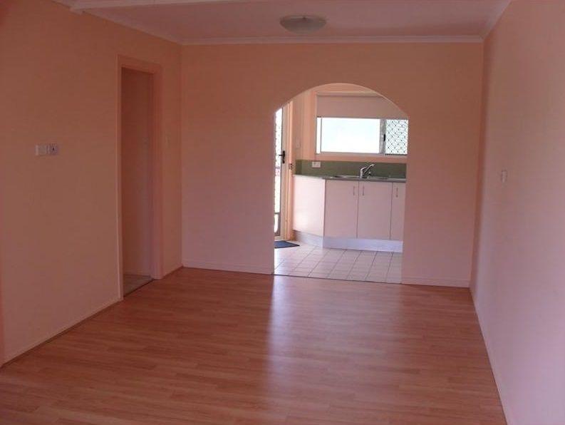 5/16 Campbell Street, Torquay QLD 4655, Image 2
