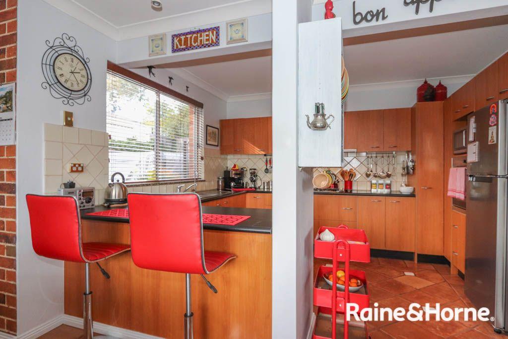 34 Kurumben Place, West Bathurst NSW 2795, Image 2