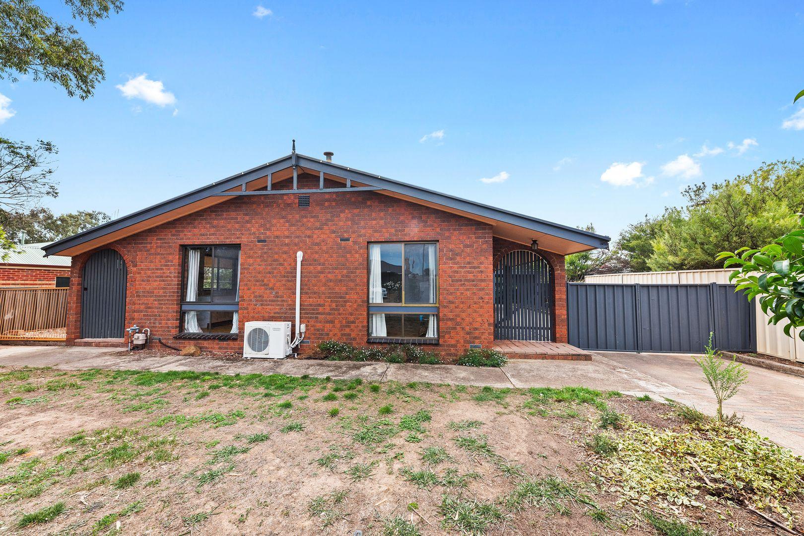 17 Laxdale Court, Kangaroo Flat VIC 3555, Image 0