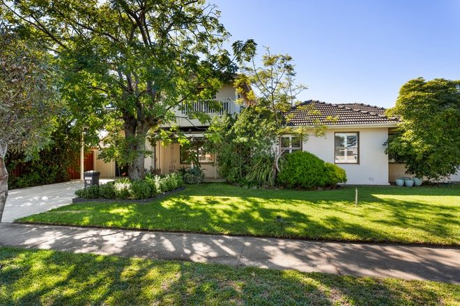 Picture of 18 Duntroon Crescent, TAPEROO SA 5017