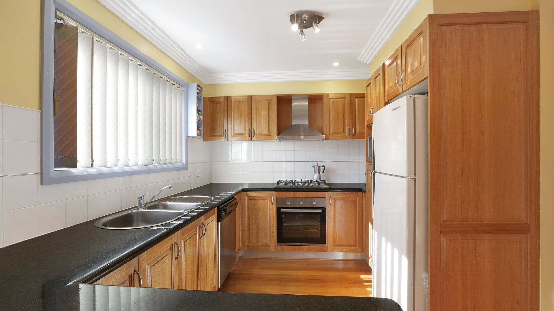 2/22 Matthews Street, Wollongong NSW 2500, Image 2