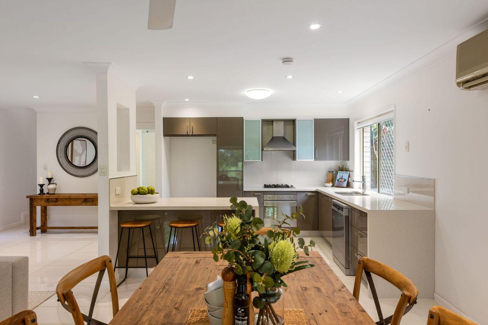 13 Vivian Street, Tennyson QLD 4105, Image 1