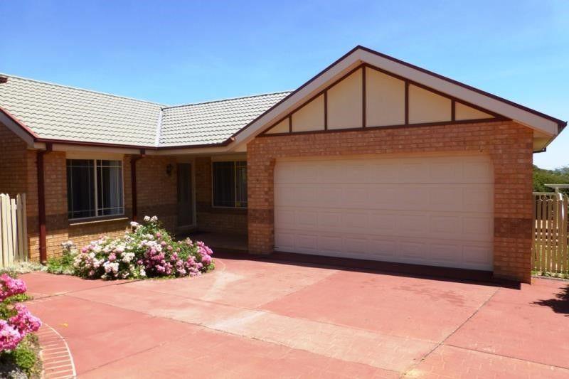 4/3 Homestead Gardens, Jerrabomberra NSW 2619, Image 0