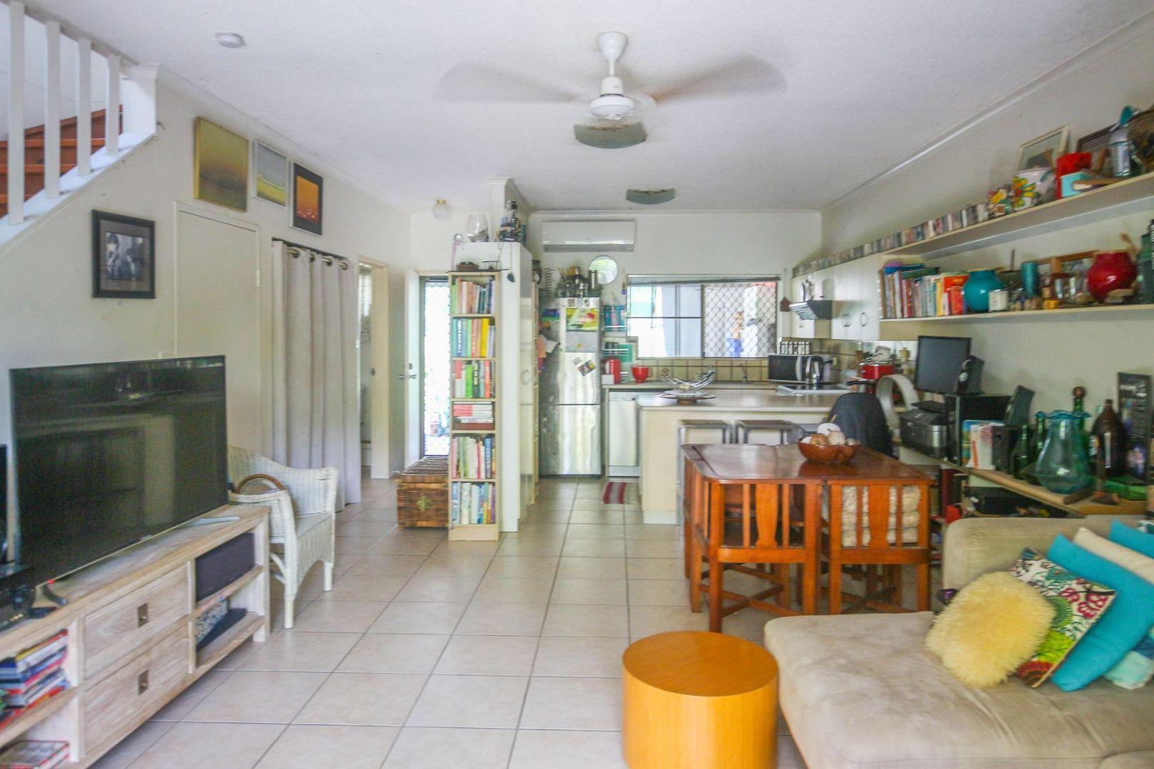 1/23 Hibiscus Lane, Holloways Beach QLD 4878, Image 1