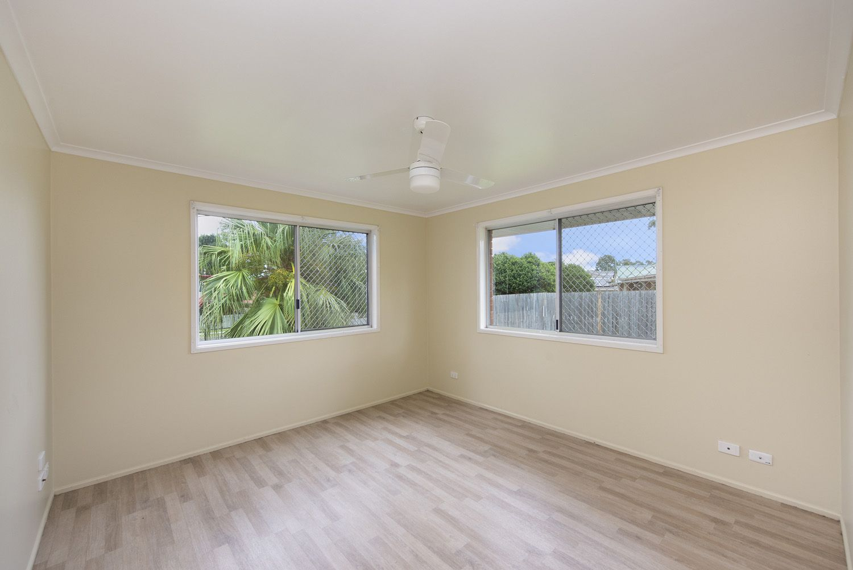 16 Barracuda Court, Kingston QLD 4114, Image 2