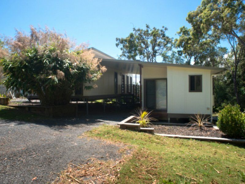 18 Cowes Street, MacLeay Island QLD 4184, Image 2