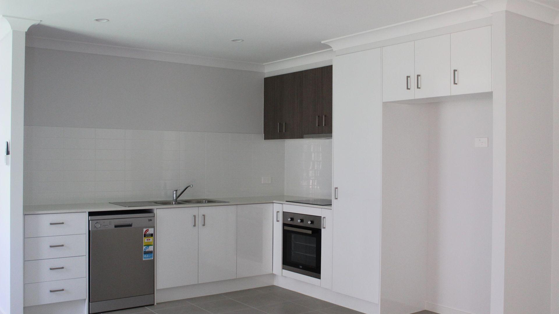 2/1 Magpie Crescent, Redbank Plains QLD 4301, Image 2