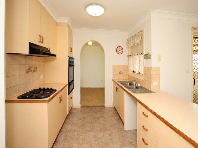31 Bamarook Street, Glenfield Park NSW 2650, Image 2