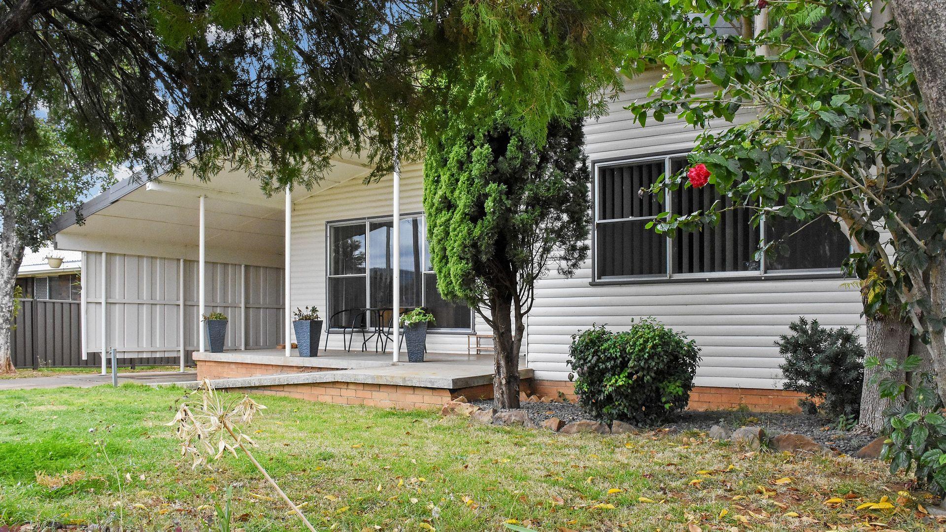 11 HOPEDALE AVENUE, Gunnedah NSW 2380, Image 1