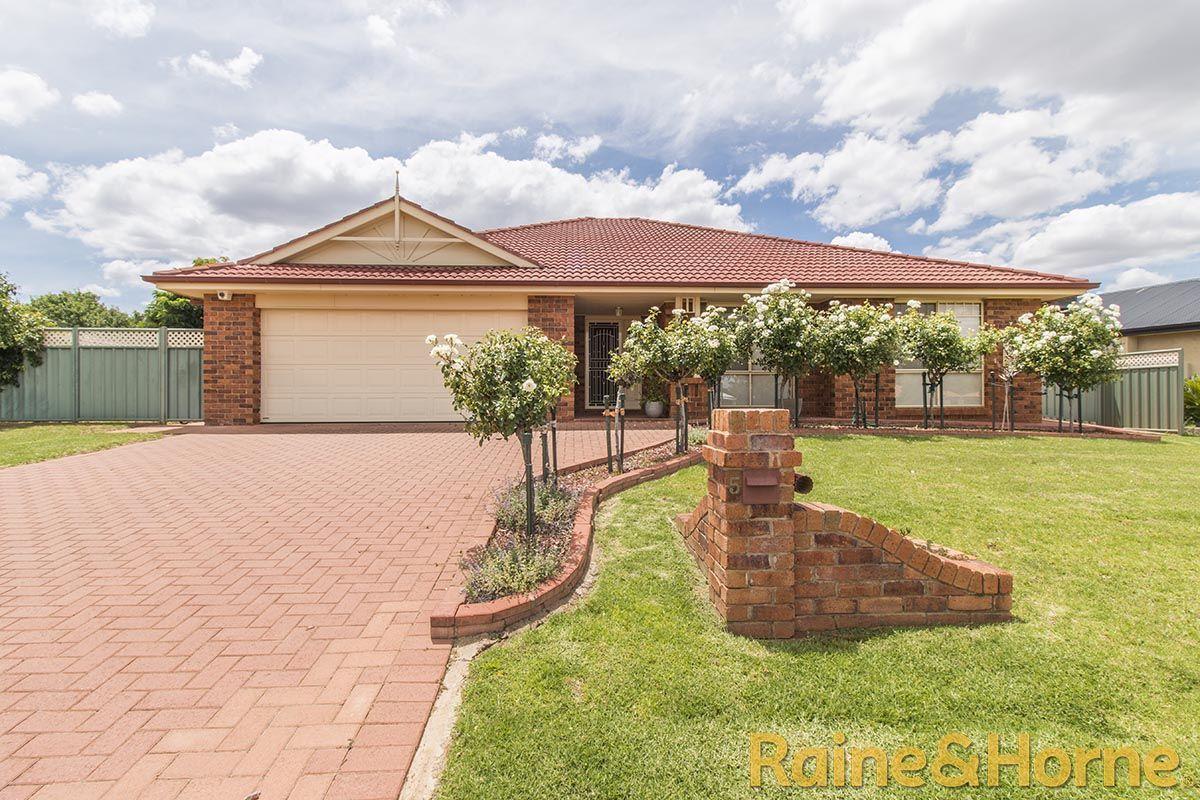 5 Glen Eagles Way, Dubbo NSW 2830, Image 0